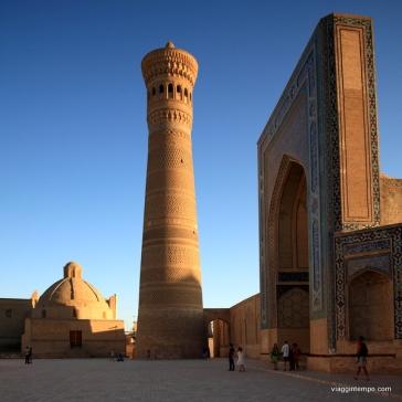 Bukhara: Moschea Poi Kalom