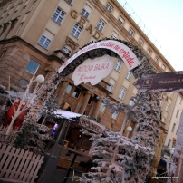 Zagabria, Piazza Ban Josip Jelacic con le bancarelle natalizie