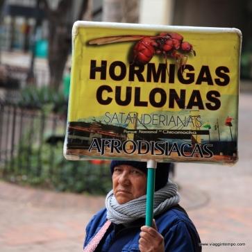 Bogotà, Venditrice ambulante