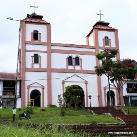 Cordoba, Chiesa su Piazza Bolivar