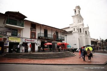 Marinilla, Chiesa sul Parque Central